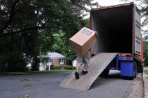 Hiring the Right Removal Van Putney for Your SW15 Home Move